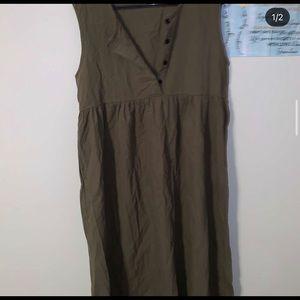 Dresses & Skirts - Long green button up dress